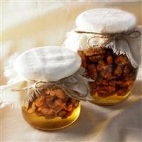 Мед з волоським горіхом
