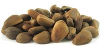 Кедровий горіх в шкаралупі